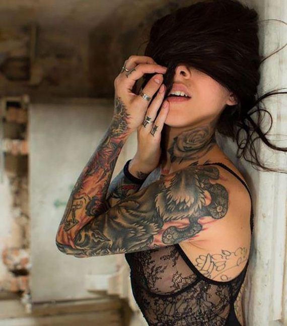 Cute Tattoo Girls