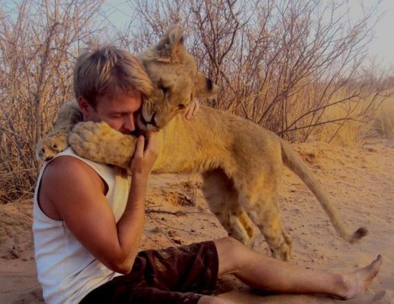 the_man_who_lived_with_lions_in_africa
