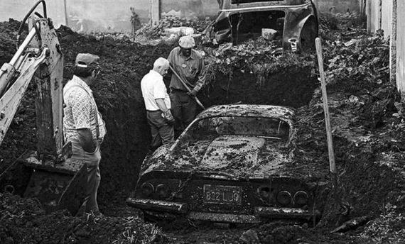 the_real_story_behind_a_buried_ferrari