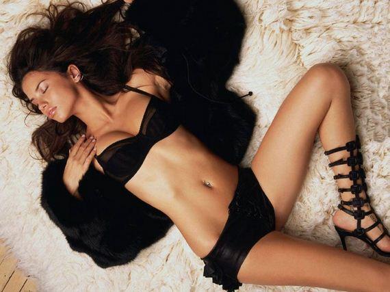 Adriana-Lima-sexy-pics-mix-collection