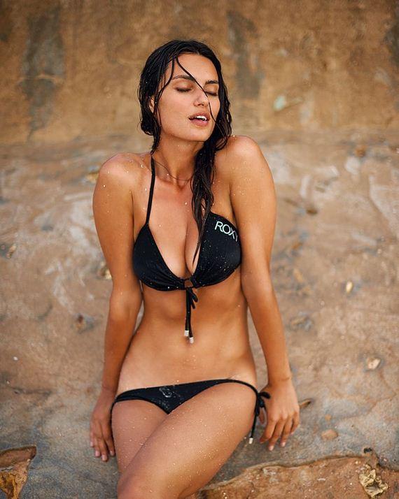 Catrinel-Menghia-hot-pics-Sports