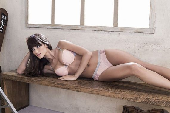 Gabriela-Rabelo-sexy-Miz