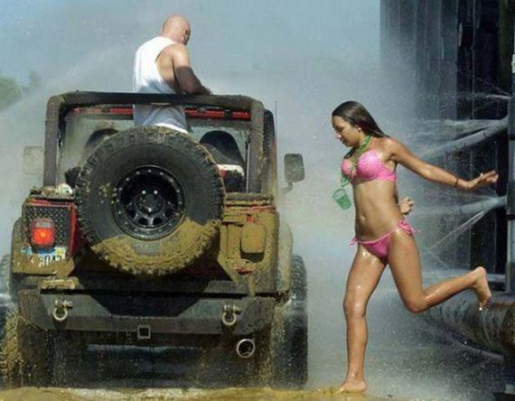 Hot-girls-Jeeps