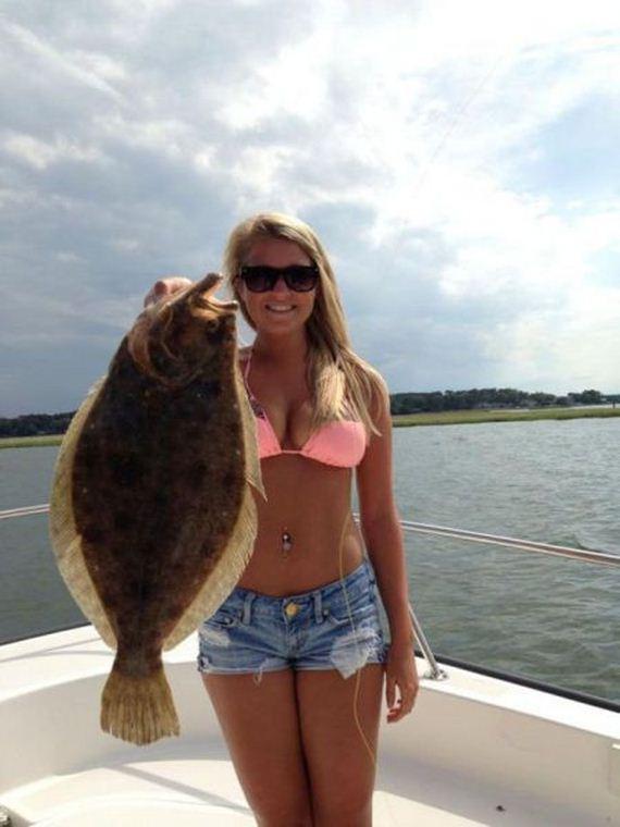Hot-girls-fishing