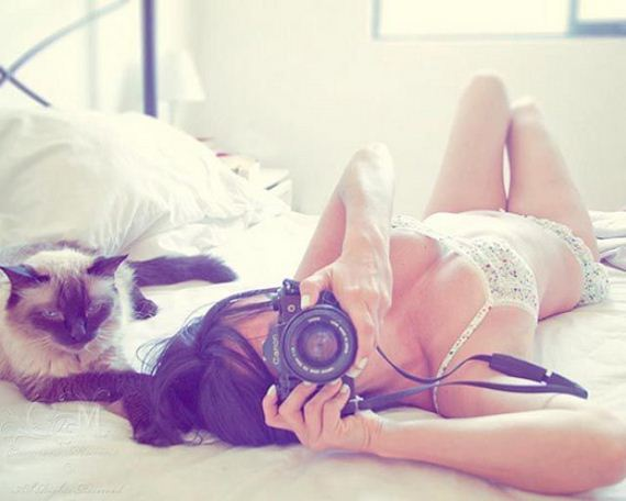 Random-sexy-girls-with-cameras