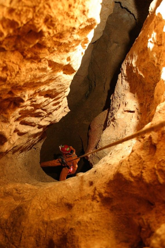 Worlds-Deepest-Cave