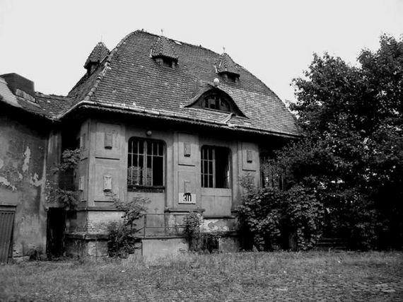 abandoned_village_houses