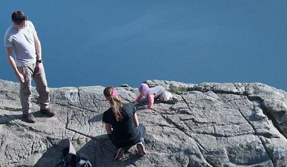baby_on_cliff