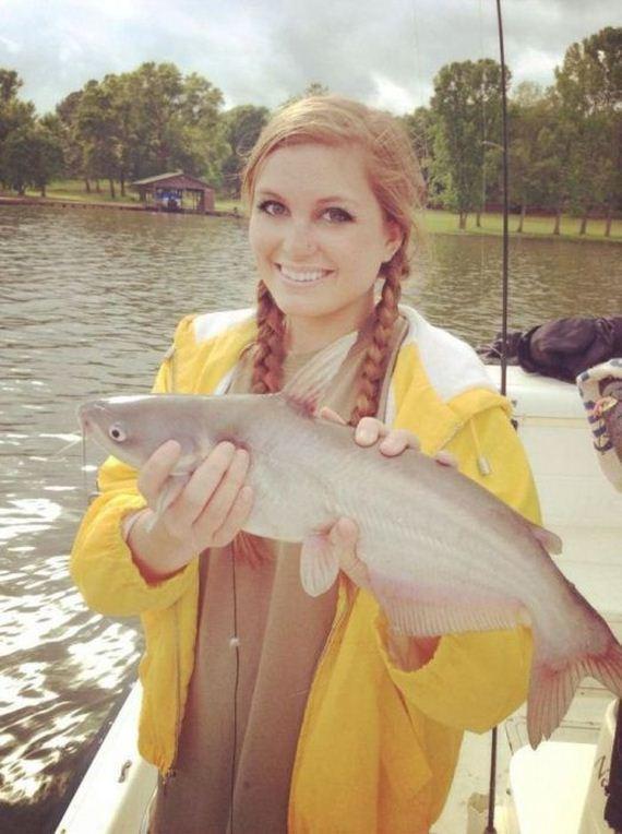Hot girls fishing - Barnorama