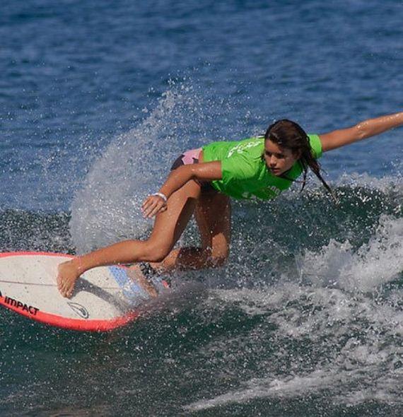 hot-surfing-girls