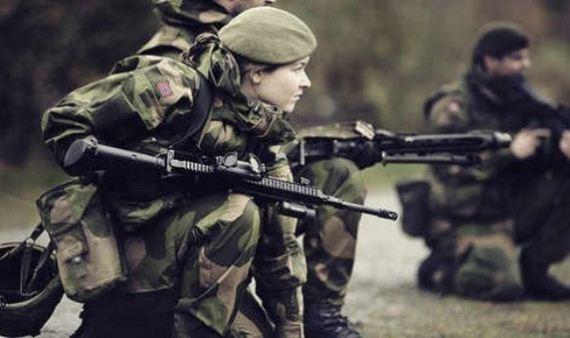 norwegian_military_girl