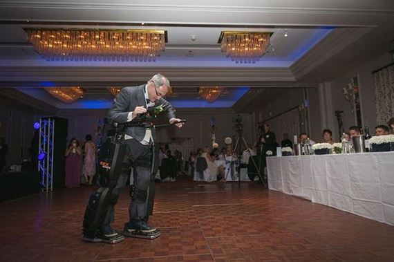 paralyzed_dad_wedding