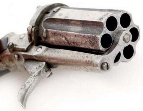 revolver_01