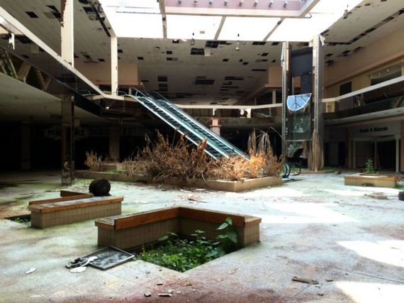 rolling_acres_mall