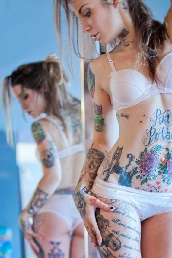 sexy-tattooed-girls-various-pics-part