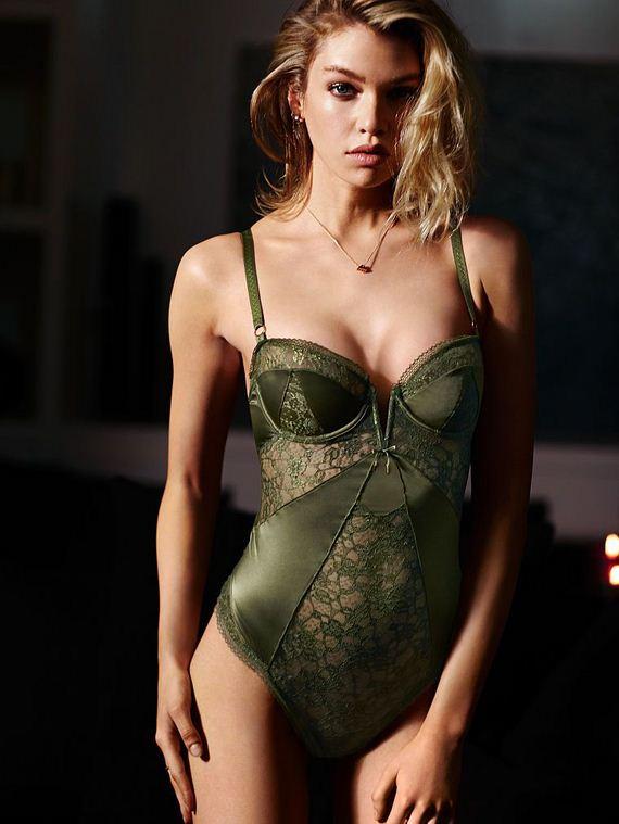 stella-maxwell-sexy