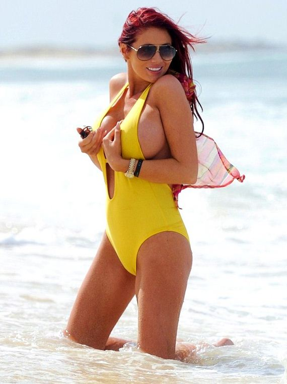 Amy-Childs-in-Yellow