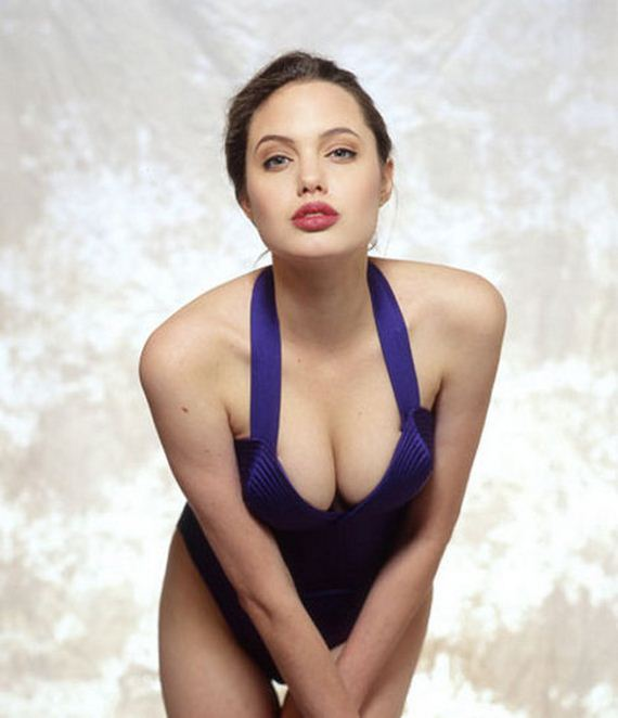 Angelina-Jolie -Swimsuit