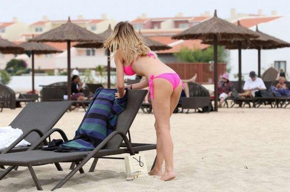 Chloe-Simms-in-Pink-Bikini