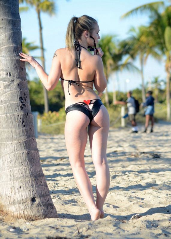 Dakota-James-in-Bikini