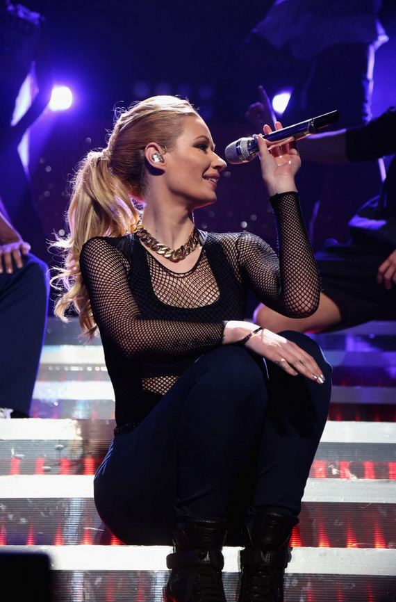 Iggy-Azalea -Performs-at-KISS-1