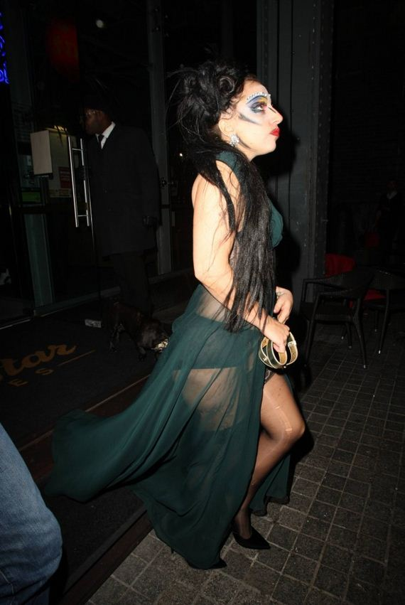 Lady-Gaga-in-Green-Dress