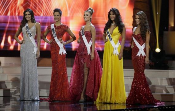 Paulina-Vega-Crowned-Miss