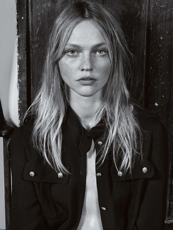 Sasha-Pivovarova -Vogue-UK