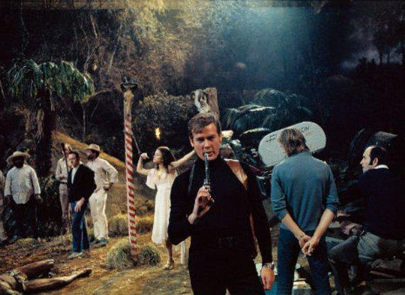behind-the-scenes-james-bond