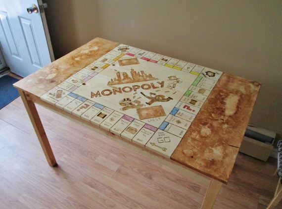 board-monopoly-table
