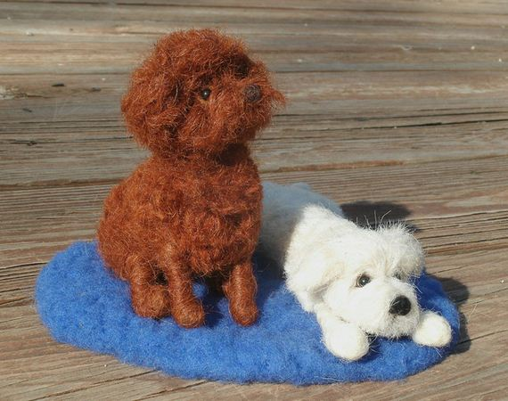 dog-sculpture-wool