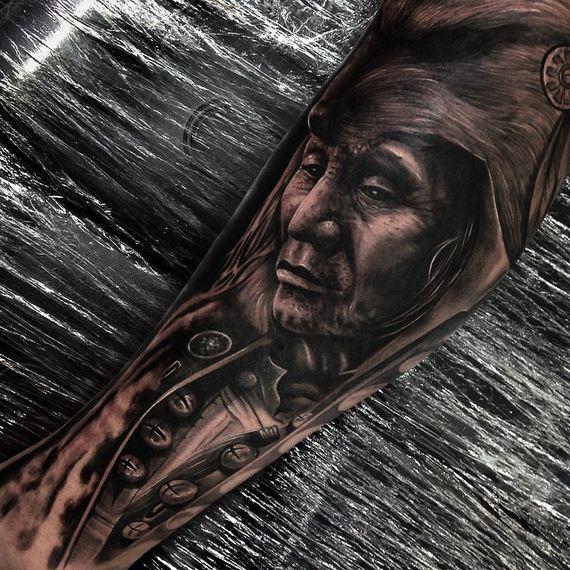 drew_apicture_tattoo