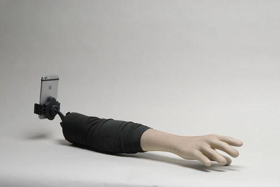 hand-selfie-stick