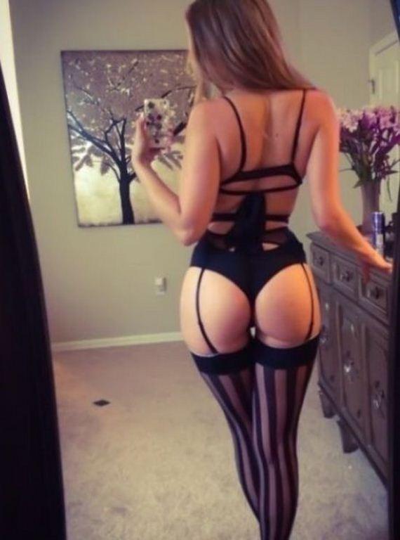 lingerie_hugs