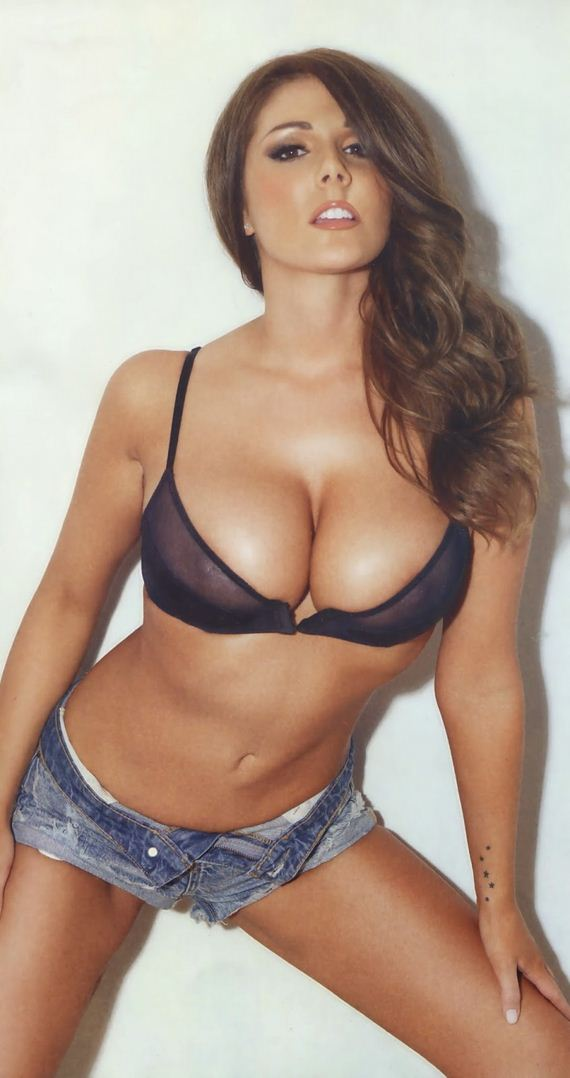 lucy-pinder-nuts