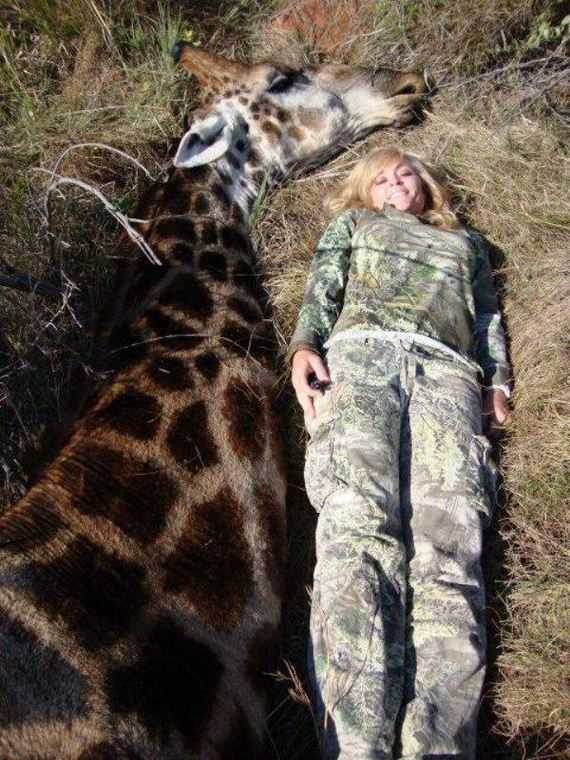 ricky-gervais-giraffe-poachers