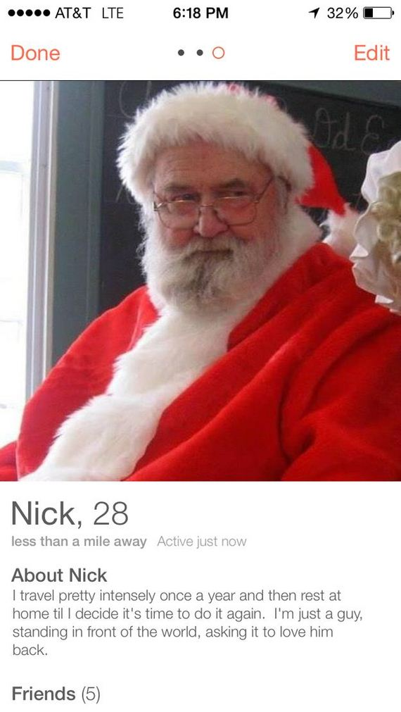 santa_claus_uses_tinder