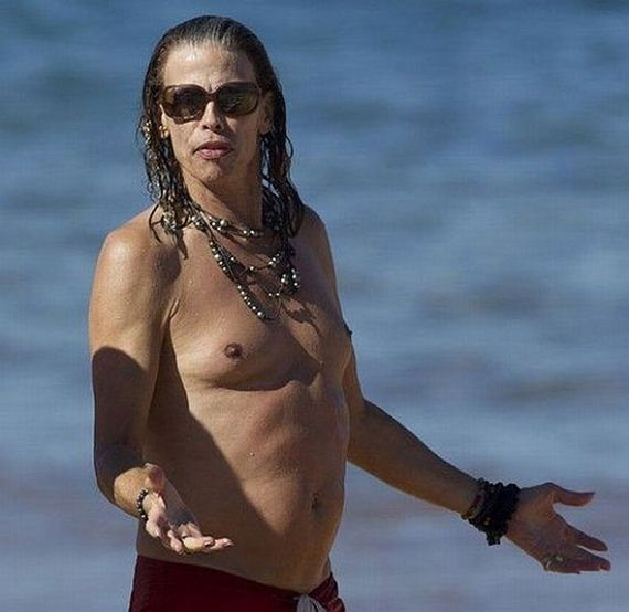 steven_tyler_old_woman
