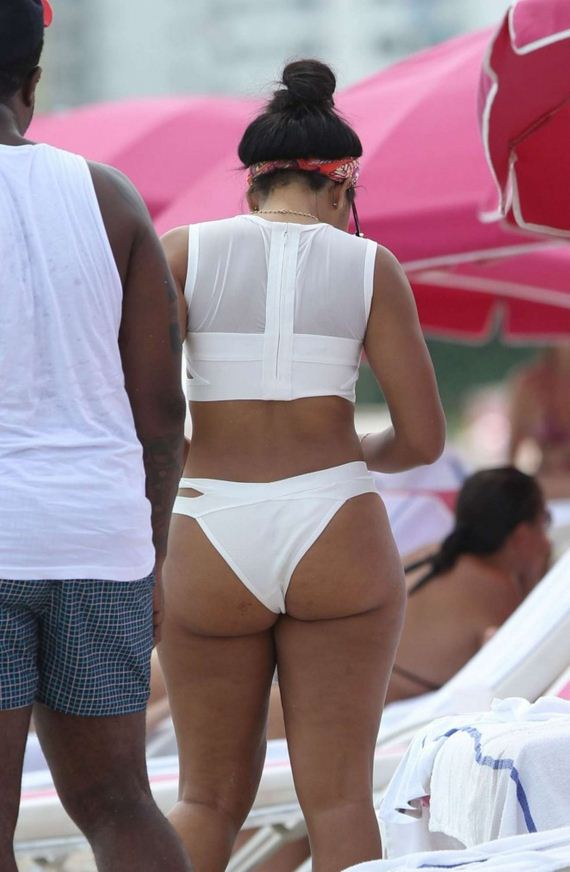Angela-Simmons-in-White-Bikini