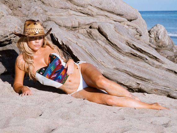 Colleen-Shannon-bikini