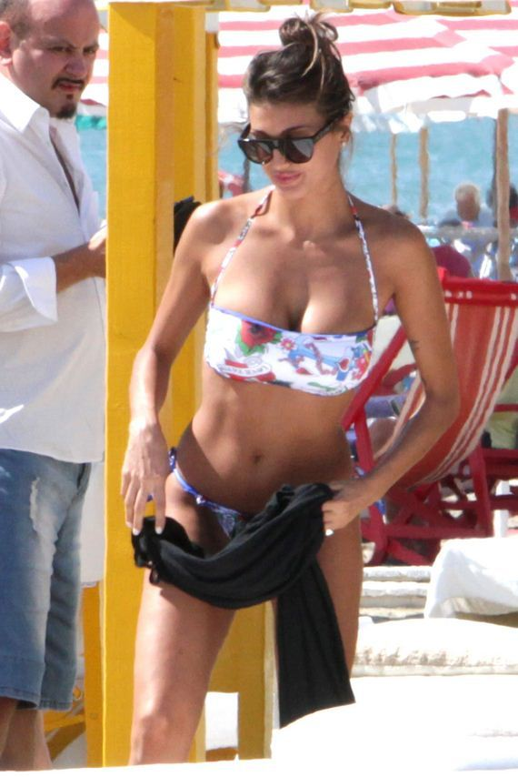 Cristina-Buccino-bikini