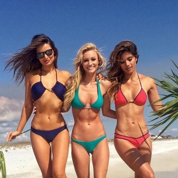 Girls-in-Bikinis-7