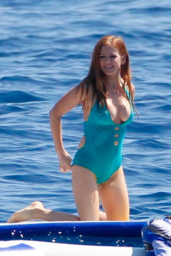 Isla-Fisher-in-Swimsuit
