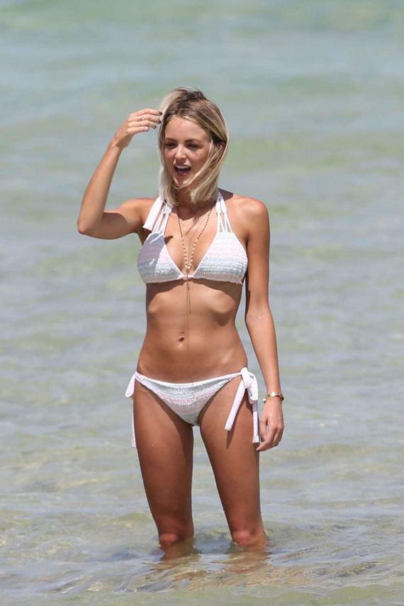 Kaitlynn-Carter-bikini