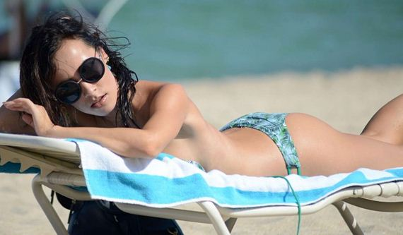 Lisa-Opie-Hot-in-Bikini