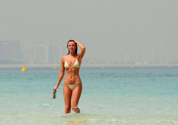 Lucy-Mecklenburgh-in-Bikini