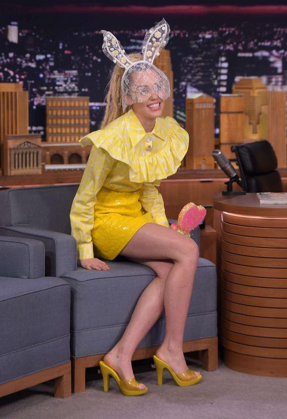 Miley-Cyrus-fallon