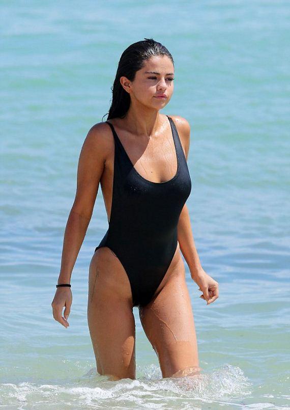 Selena-Gomez1