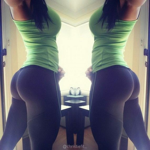 Stunning-Girls-Yoga-Pants