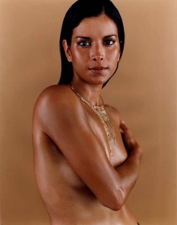 angela bassett nude photo